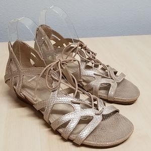 Kenneth Cole Reaction metallic strappy sandals 8